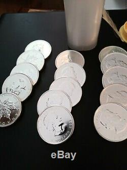 Five (5) Coins 2009 Canada 1 oz Silver Maple Leaf Coins